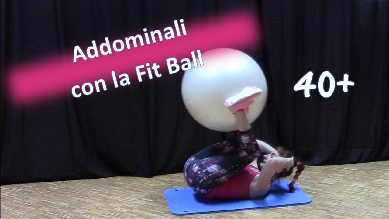 Allenare gli Addominali con la Fit Ball